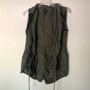 Gap cargo hooded green vest - size small